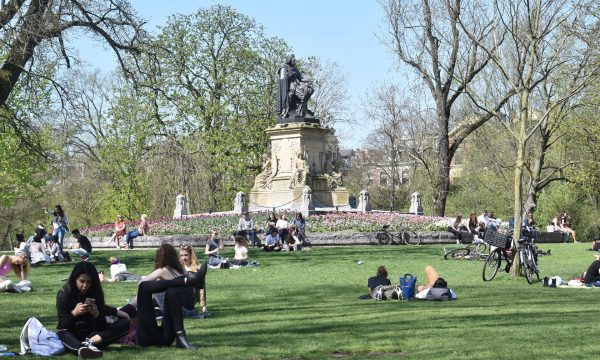 BEGIN DE WEEK FRIS: WORKOUT IN HET VONDELPARK