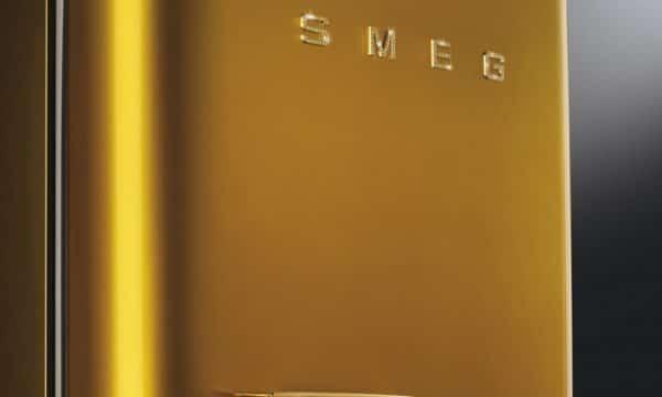 PURE LUXE: DEZE SMEG 'SWAROVSKI GOLD'